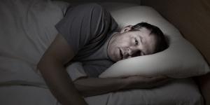 Risvegli-notturni-melatonina-300x150 Incubi e depressione: I tre maggiori fattori di rischio