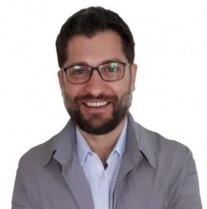 Diego-Chiariello-Skype-1-compressed-1-296x300 La psicoterapia online